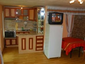 Оборудвани кухненски салони